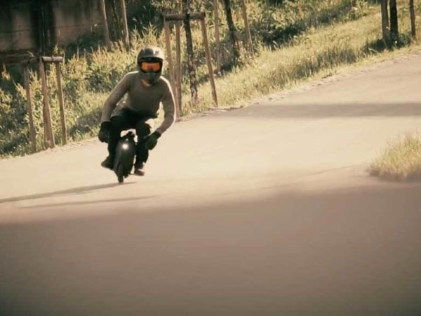 Gotway Msuper X e-unicycle with rider